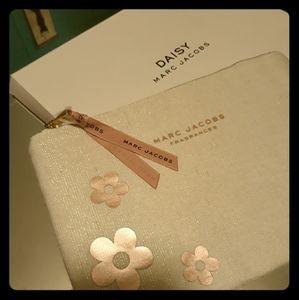 Daisy- cosmetic/perfume bag